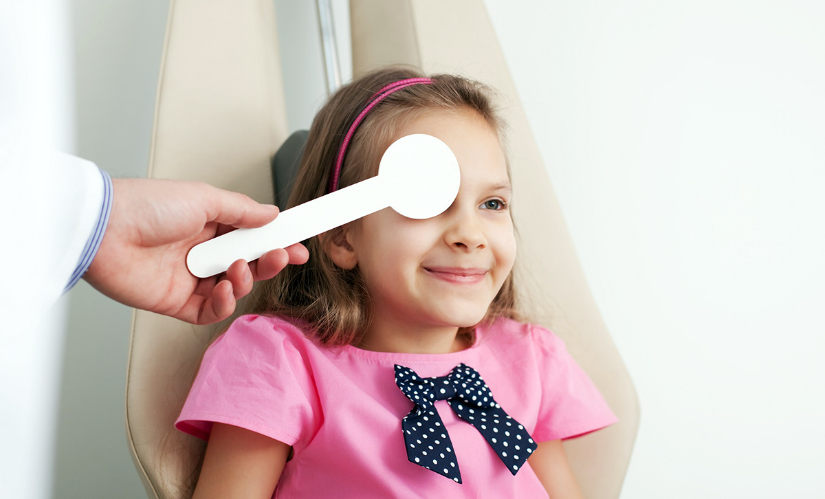 Ochiul leneș, cum trebuie abordată afecțiunea în cazul copilului